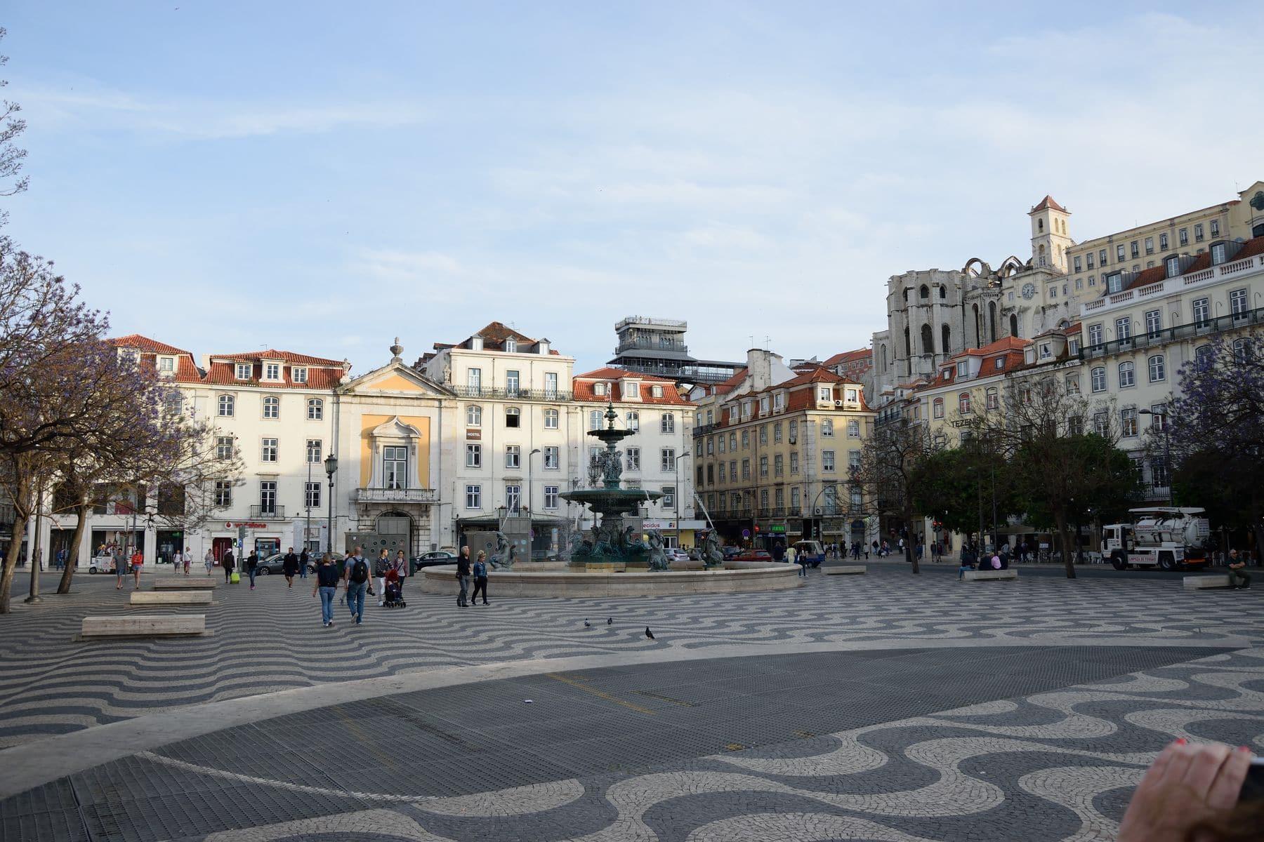 Piazza del Rossio a Lisbona