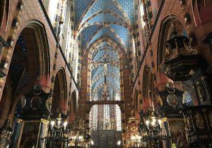 L'interno della Chiesa di Santa Maria Vergine Cracovia