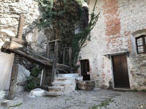 Il torchio in legno a Santa Caterina del Sasso
