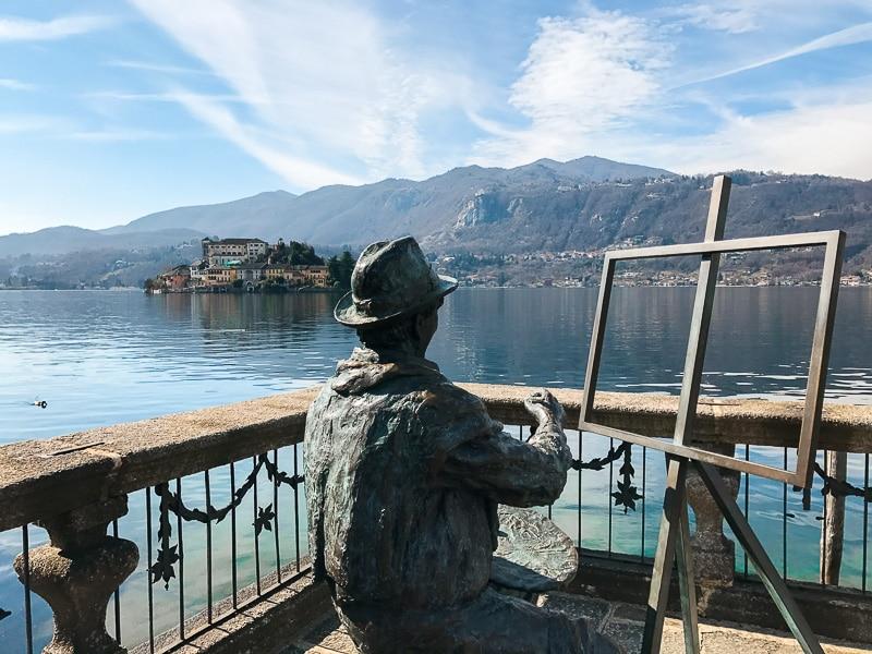 Vista sull'isola di San Giulio da Villa Bossi a Orta