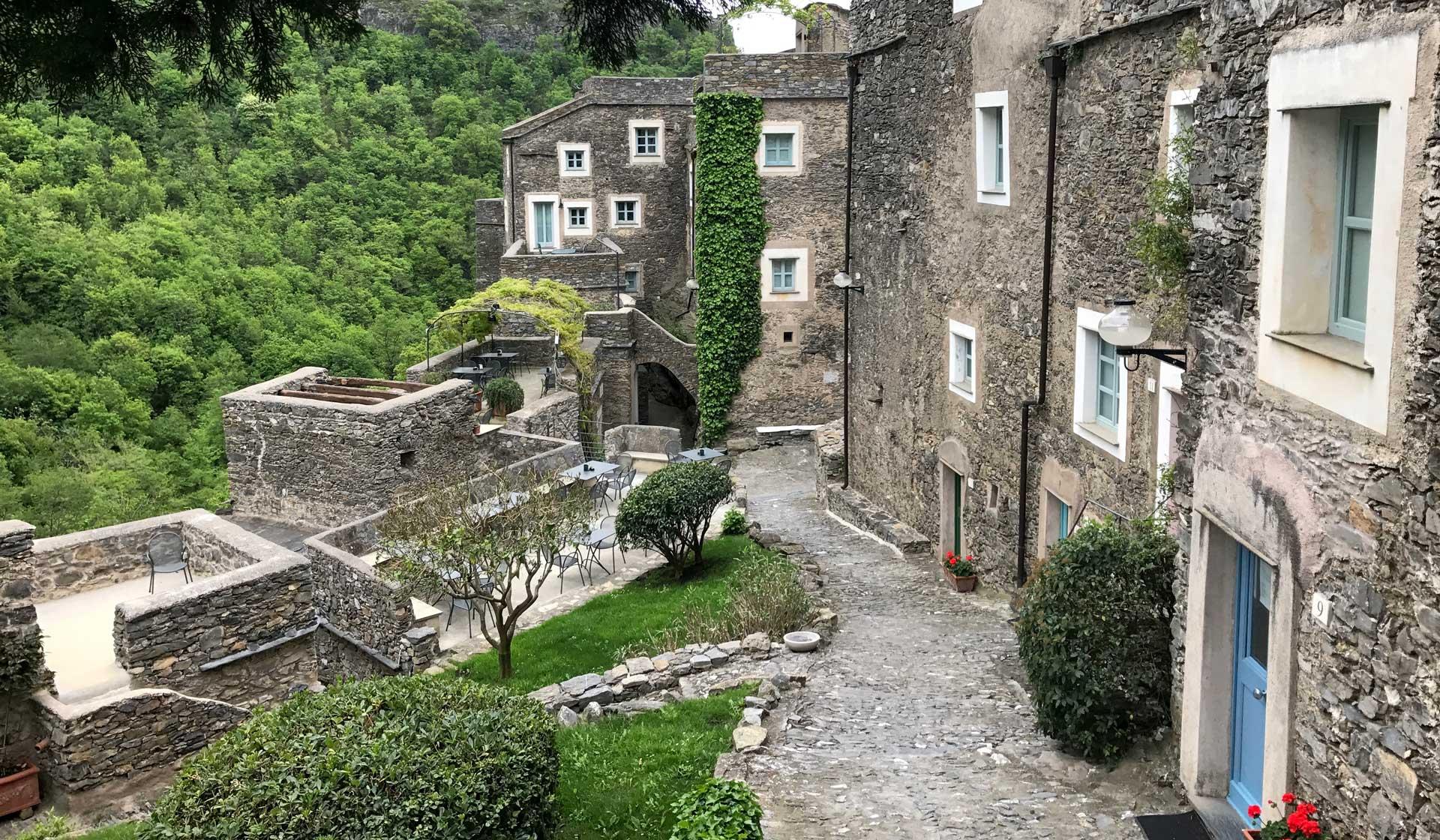 Itinerario tra i borghi dell'entroterra ligure