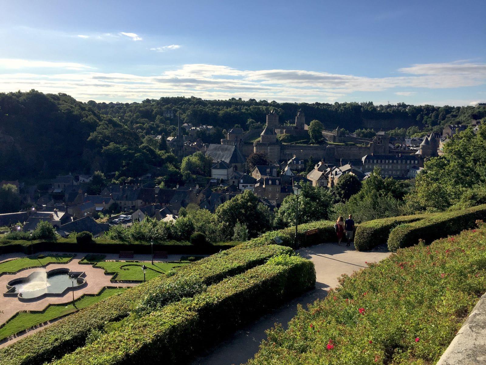 Vista dal giardino panoramico di Fougeres