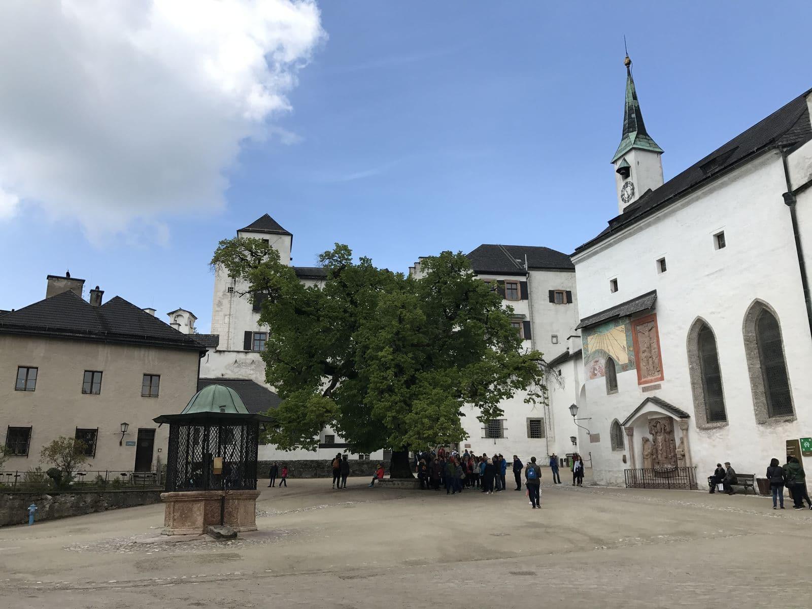 Il cortile della fortezza di Salisburgo
