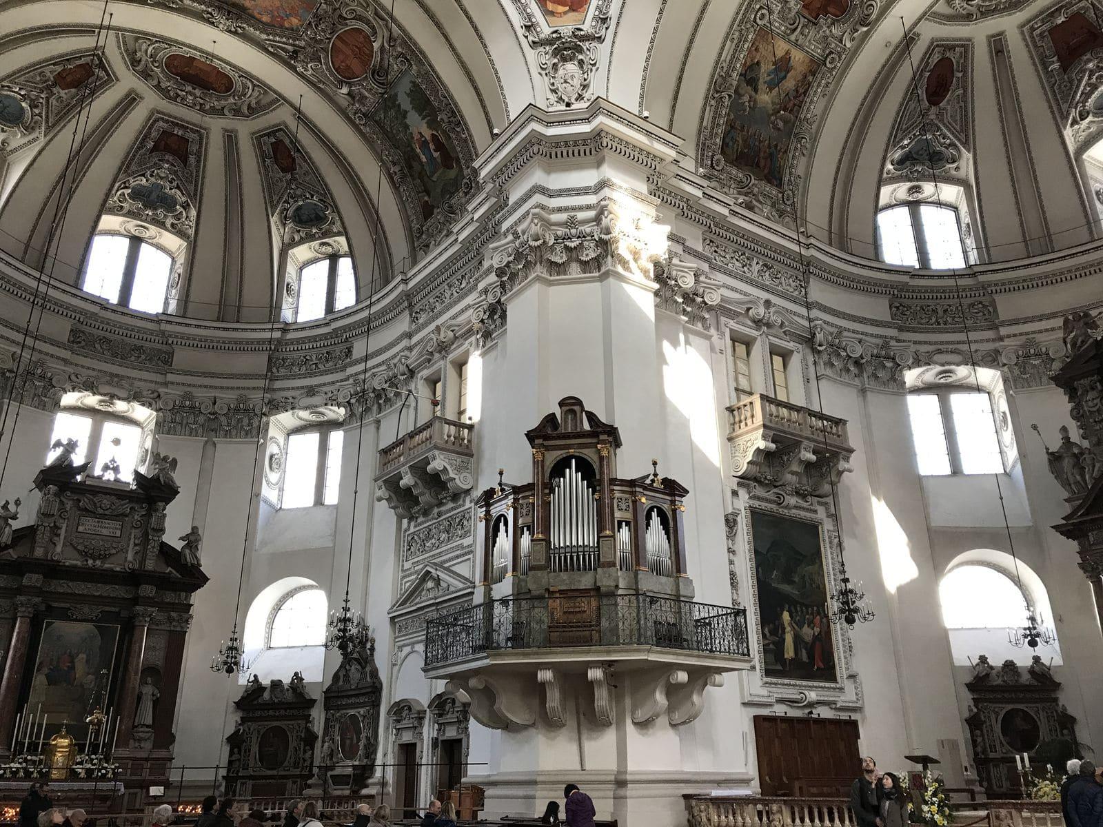 Interno del Duomo di Salisburgo
