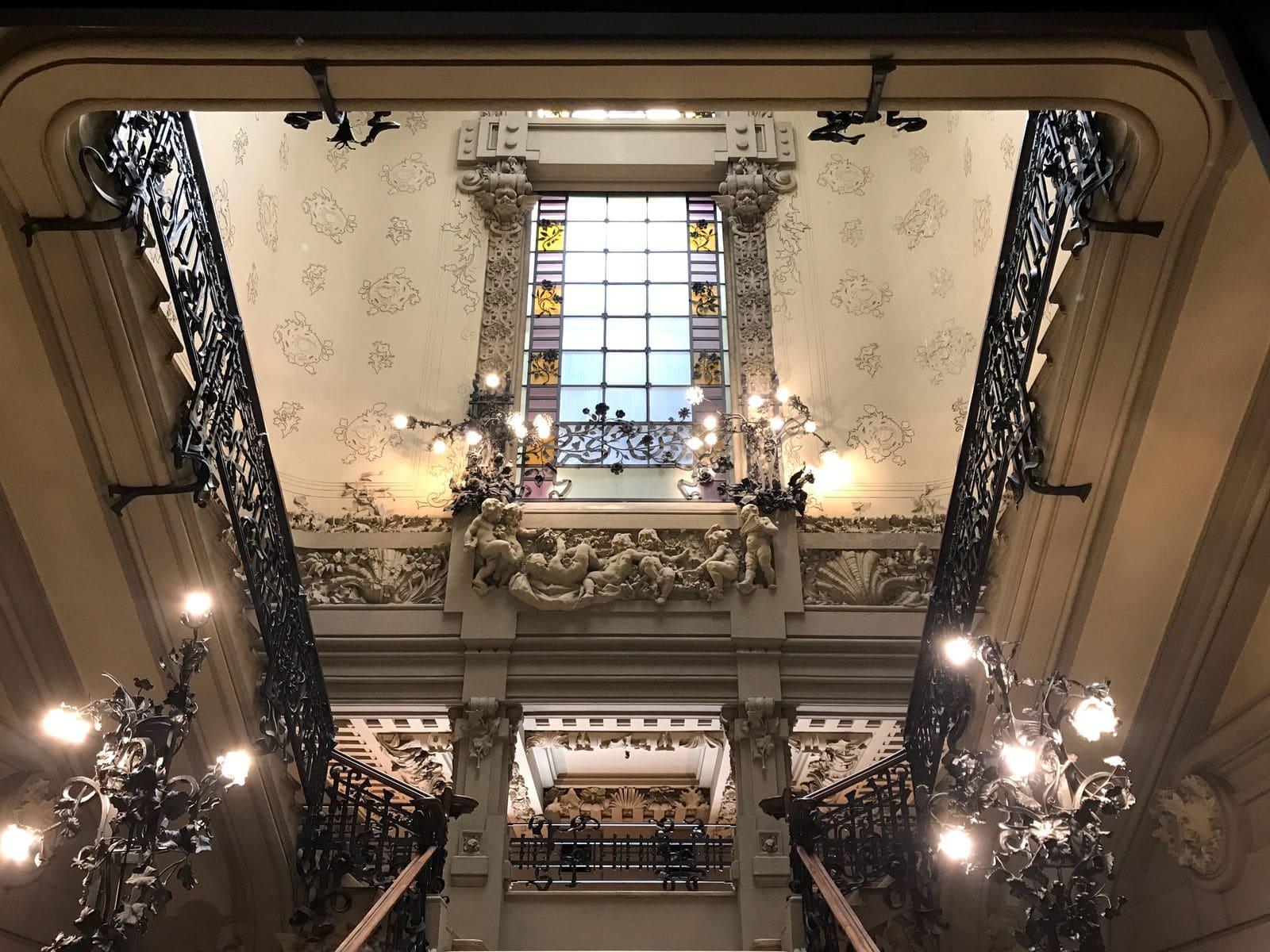 Lo scalone d'onore di Palazzo Castiglioni