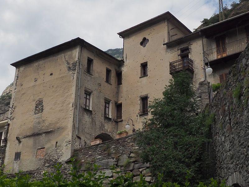 Casa Nicole a Bard in Valle d'Aosta.JPG