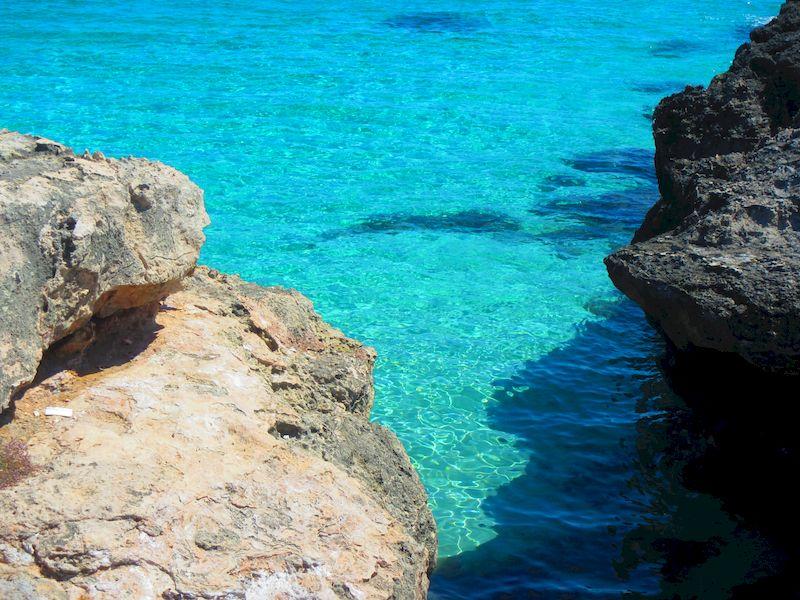 Mare italia: acqua cristallina di Monopoli in Puglia