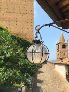 Vedute del borgo di Serralunga