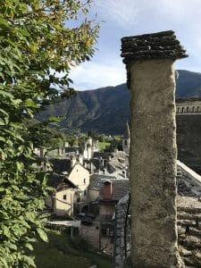 I camini sui tetti di Craveggia