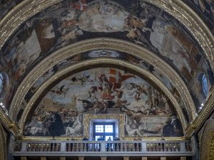 La volta affrescata della Co-Cattedrale di San Giovanni a Valletta