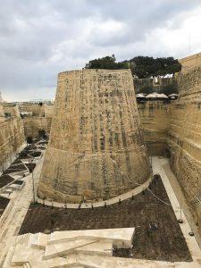 Le mura che circondano Valletta