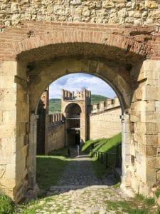 le torri di accesso al castello di Soave