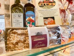 Alcuni prodotti locali venduti nella Bottega di Canfreo