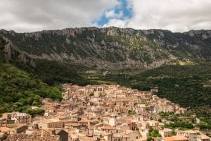 Panorama su Civita