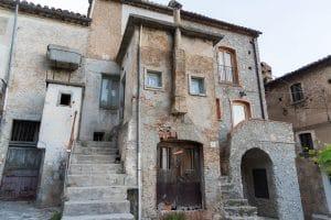 Tipica Casa Kodra a Civita