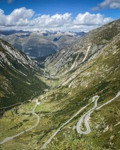 Strada per il Nufenenpass
