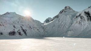 Il lago di Morasco ghiacciato