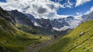 L'alpe Pedriola e lo Zamboni in lontananza