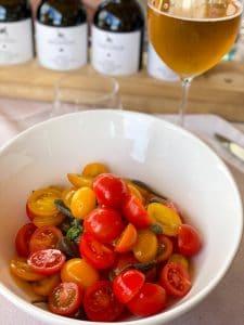 Insalata di pomodori dell'orto e cucunci