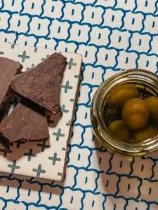 Finte olive di marzapane e cioccolato di Modica
