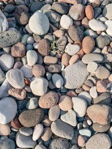 I ciottoli della spiaggia di Lingua