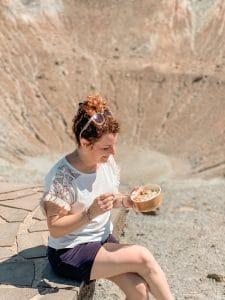 Mangiare poke su un vulcano!