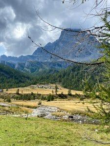 Trekking all'Alpe Veglia: Le baite di Cianciavero in lontananza
